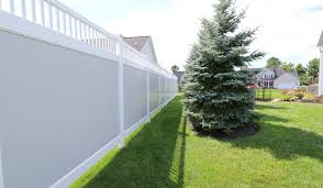 house and fence color combinations