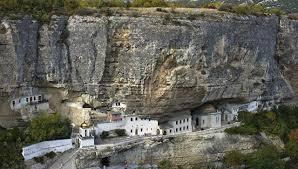 Картинки по запросу Свято–Успенский мужской монастырь в крыму