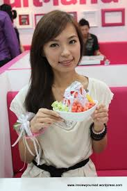 Mandy Chen | JLoong87\u0026#39;s Blog - local-artist-mandy-chen-with-a-bowl-of-signature-rainbow-lolo1