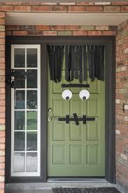 10 DIY Halloween Front Door Decor Ideas