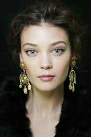 runway beauty gilded eyes and soft lips at dolce gabbana s s 14 makeup for life