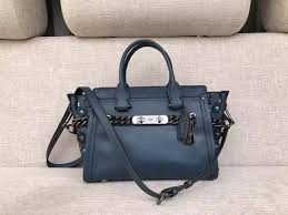 authentic coach swagger 27 in glovetanned leather with willow fl women s fashion bags wallets handbags on carou