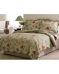 Snag This Hot Sale! 21% Off American Traditions Edens Garden Quilt ... & American Traditions Edens Garden Quilt Set King, Green Adamdwight.com