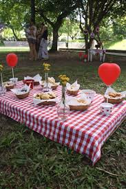 Best 25+ Picnic birthday parties ideas on Pinterest   Teddy bears picnic  party, Teddy bear pics and Picnic party decorations