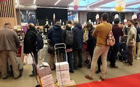 paris le 1er décembre dernier jour ce lundi pour le 39ème salon des vins des vignerons indépendants le parisien guy gios