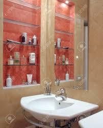 Vordergrund Waschbecken In Einem Modernen Badezimmer Mit Nische Der