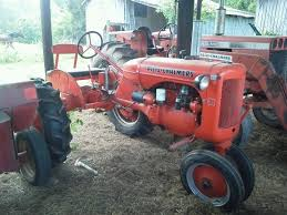 images about allis chalmers b c models posts 1940 s allis chalmers c tractor drove this kind today