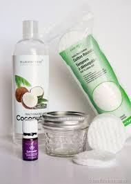 4 ways to naturally remove your makeup