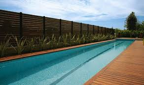 Bagni Esterni In Legno : Pavimenti in legno per esterni