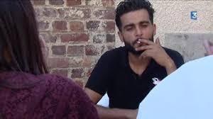 Albert Un Coiffeur Tunisien Découvre Une Tête De Cochon