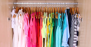 how to organize your closet by color