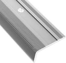 Verwenden sie vinyl treppenstufen um ihre treppe zu verkleiden. Treppenkantenprofil Glory Silber L Form Inklusive Rutschhemmender Vinyl Einlage 17mm Hohe Erhaltlich In 4 Farben Und 3 Langen 90cm Amazon De Baumarkt