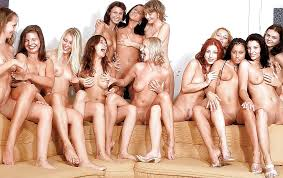 Groups of girls posing nude together