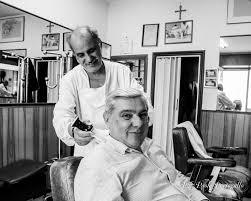 L' Ambasciatore Straordinario e Plenipotenziario del Belize preferisce il  barbiere di Modica |