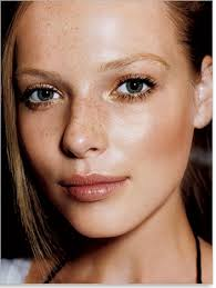 to most women blush is something that belongs to the older generation but blush is actually a miracle for dull skin apply a fresh pink and peach color on