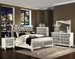 Mirrored Bedrooms Bedrooms Attractive Bedroom Decorating Ideas With Mirrored