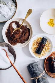 On its own, coffee is full of antioxidants and coffee grounds can be used as a hair scrub, hair rinse, and scalp exfoliator. Coffee Scrub Diy Recipe For Scars Cellulite And Sun Damage