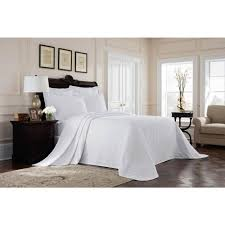 Royal Heritage Home Williamsburg Richmond White Queen Bedspread ...