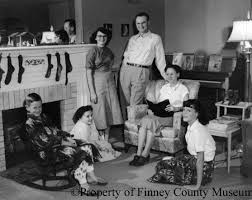 lit216 licensed for non commercial use only in cold blood the clutter family picture their two older daughters who were moved out by the time of the murder and survived the family