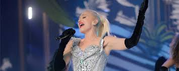 Gwen stefani has been quite popular in the music industry since the 90s. Playlist 5 Best Gwen Stefani Songs You Can Rock Out To At Her Show Bestofvegas Com