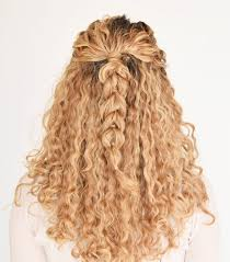 hairstyles for naturaly curly hair