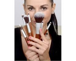 sefiros rovný štětec na make up s rukojetí z červeného dřeva red wood foundation brush flat