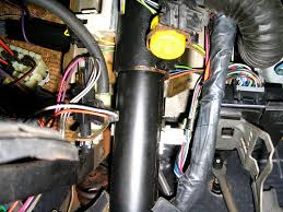 does anyone know where a regal s horn relay is pics here are some pics of the area am i just blind