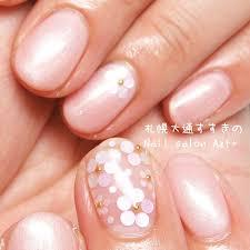 上品ピンクのホロ花ネイル Nail Salon Azt