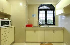 Petit Appartement Avec Cuisine équipée De Base Banque Dimages Et