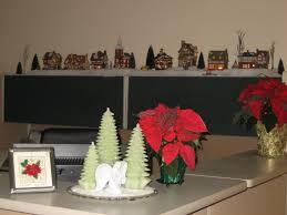 office christmas decorating themes. #Christmas #Office #Decoration #Ideas Home Office Desk Decoration Ideas Christmas Decorating Themes
