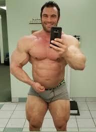 Www massive gay muscle com