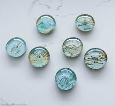 quick easy diy map magnets a great diy gift idea tutorial at the happy housie