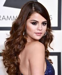 selena gomez s new official makeup artist is louis tomlinson s sister