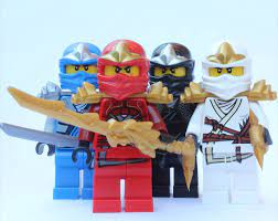LEGO® Ninjago™ 4 ZX Ninjas - Kai, Cole, Jay & Zane ZX: Amazon.de: Spielzeug