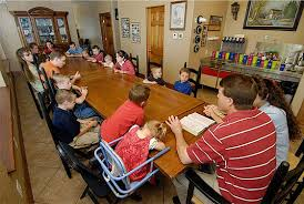 Kids  amp  Counting  quot  The Duggar Family Home in Arkansas   Hooked    Duggar dining table seats