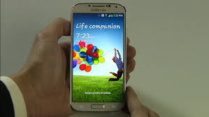 galaxy s4 screen size a first look at samsung galaxy s4 lipstiq com