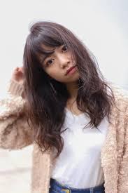 丸顔さんに似合う髪型を追求ロングからショートまでご紹介 Arine