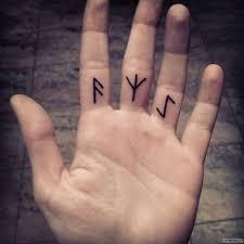 значение эскизы тату на пальцах тюремные татуировки 125 фото