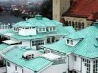 Бирюзовая крыша дома фото