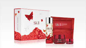 give the gift of youthful beauty for years to e with this coffret set featuring the best selling treatment essence and sk ii s revolutionary new