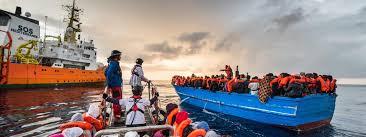 """Résultat de recherche d'images pour """"Migrants en Méditerranée"""""""