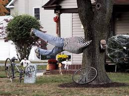 Cheap Outdoor Halloween Decorations Awesome Halloween Yard Decoration Ideas   Easy Homemade Outdoor Halloween