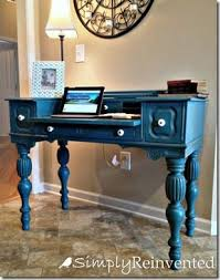 Love this Annie Sloan Chalk Paint Desk, but this webpage also have cute idea  for handles- twist rope around to hide and give interesting look