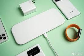 Đánh giá đế sạc không dây đa lõi của Xiaomi: Sạc nhanh 3 thiết bị cùng lúc,  giá từ 2.1 triệu đồng