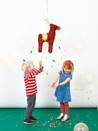 Reindeer Piñata at Janet Bell Home | <b>Гирлянда</b>, Декор, Вертушки