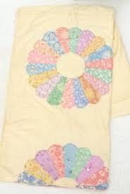 antique & vintage quilts & quilt tops & 1940s vintage quilt top, print dresden plate flower circles on unbleached  cotton Adamdwight.com