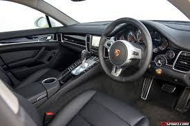 porsche panamera interior 2015. the porsche panamera s ehybrid comes with a 30 liter v6 engine paired 95hp electric together this delivers 416hp and 590nm of torque interior 2015