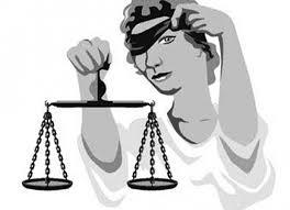 Resultado de imagem para charge da estatua justiça tirando a fenda