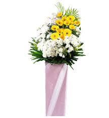 Convey your deepest condolences with sympathy flowers expertly arranged by our skilled florists. Over 100 Condolence Wreath Singapore Designs 0 Same Day Delivery