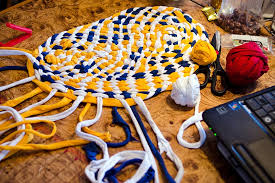 how to make a rug from old t shirts